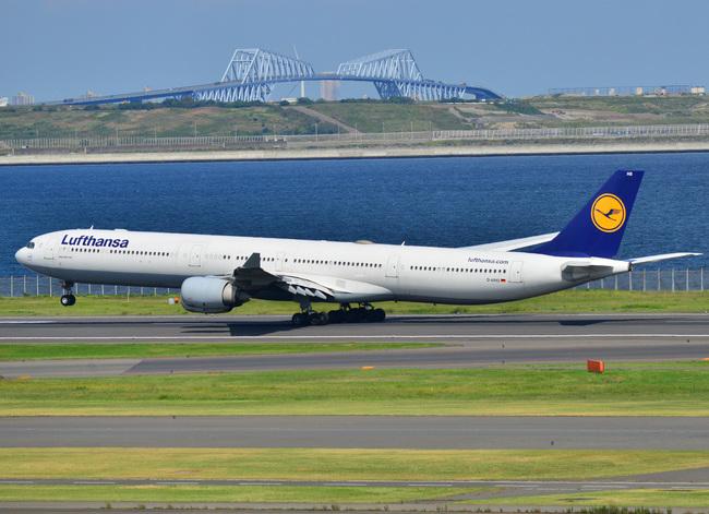 Lufthansa03.jpg